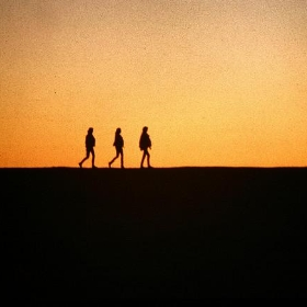 3 girls at sunset - shoobydooby