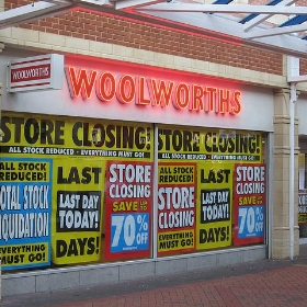 Last Day Of Woolworths In Caerphilly, South Wales - Watt_Dabney