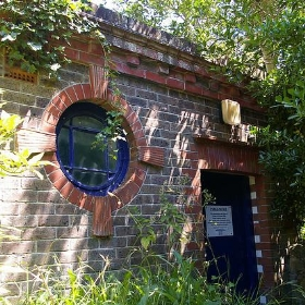 Eastbourne toilets, Meads Road - closed (Gents) - debs-eye