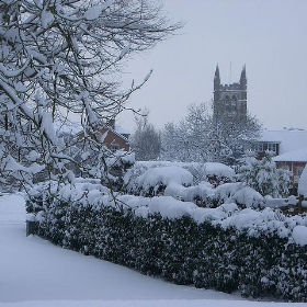 Farnham in the snow - Between a Rock