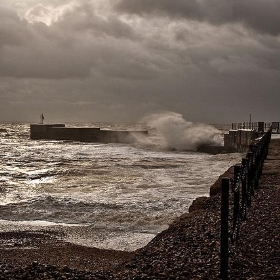 A Gale At Hastings - 1 - me'nthedogs