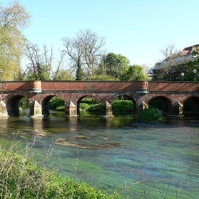 Town Bridge, Leatherhead - lostajy