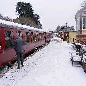 Railway in the Snow December 2009 (19) - Ben Coulson