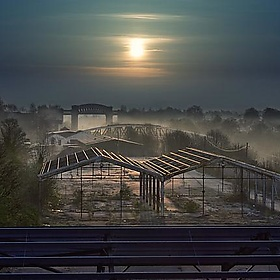 Misty Cantilever Sunrise - Caza_No_7