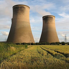 Fiddlers Ferry Cooling Towers, Widnes, England - nikoretro