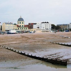 Worthing Sea Front - Looking East - Jim Linwood